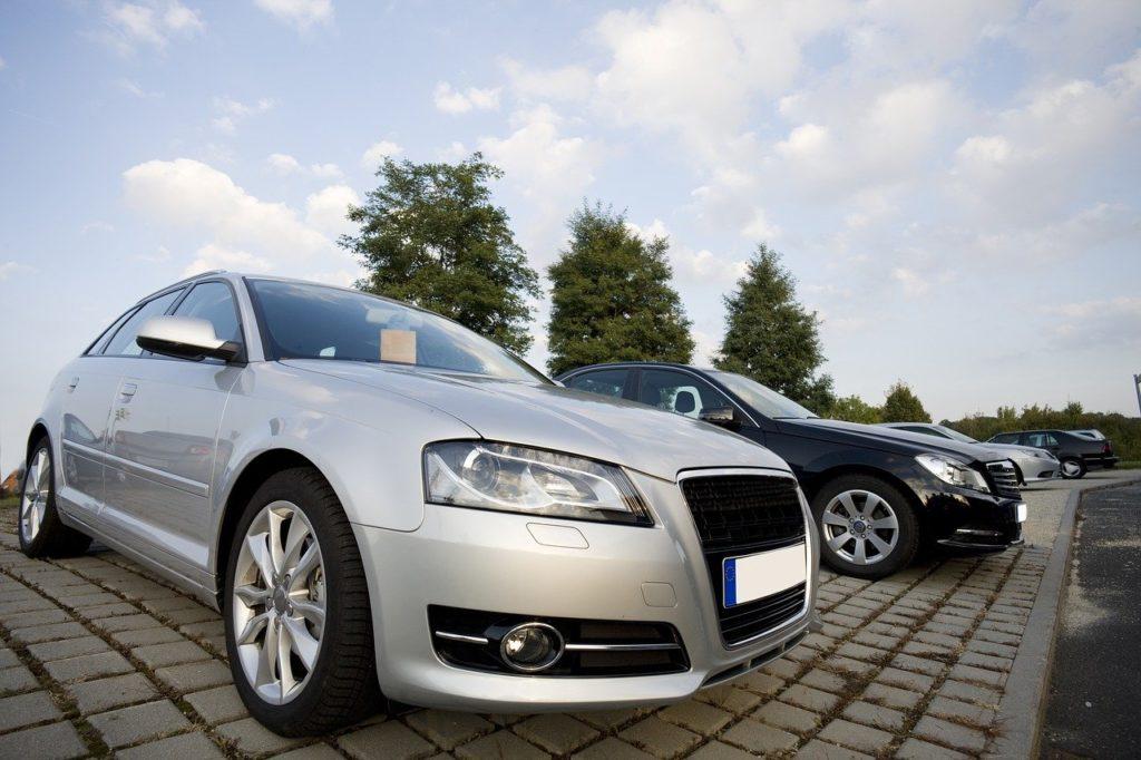 Handel samochodami używanymi