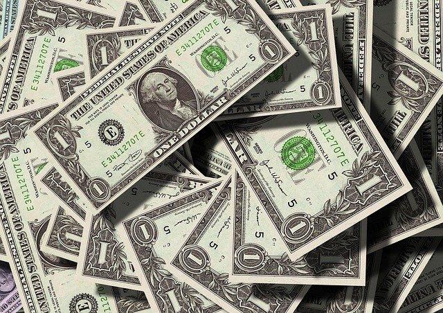 Pożyczka na dowód przez internet - co warto wiedzieć.