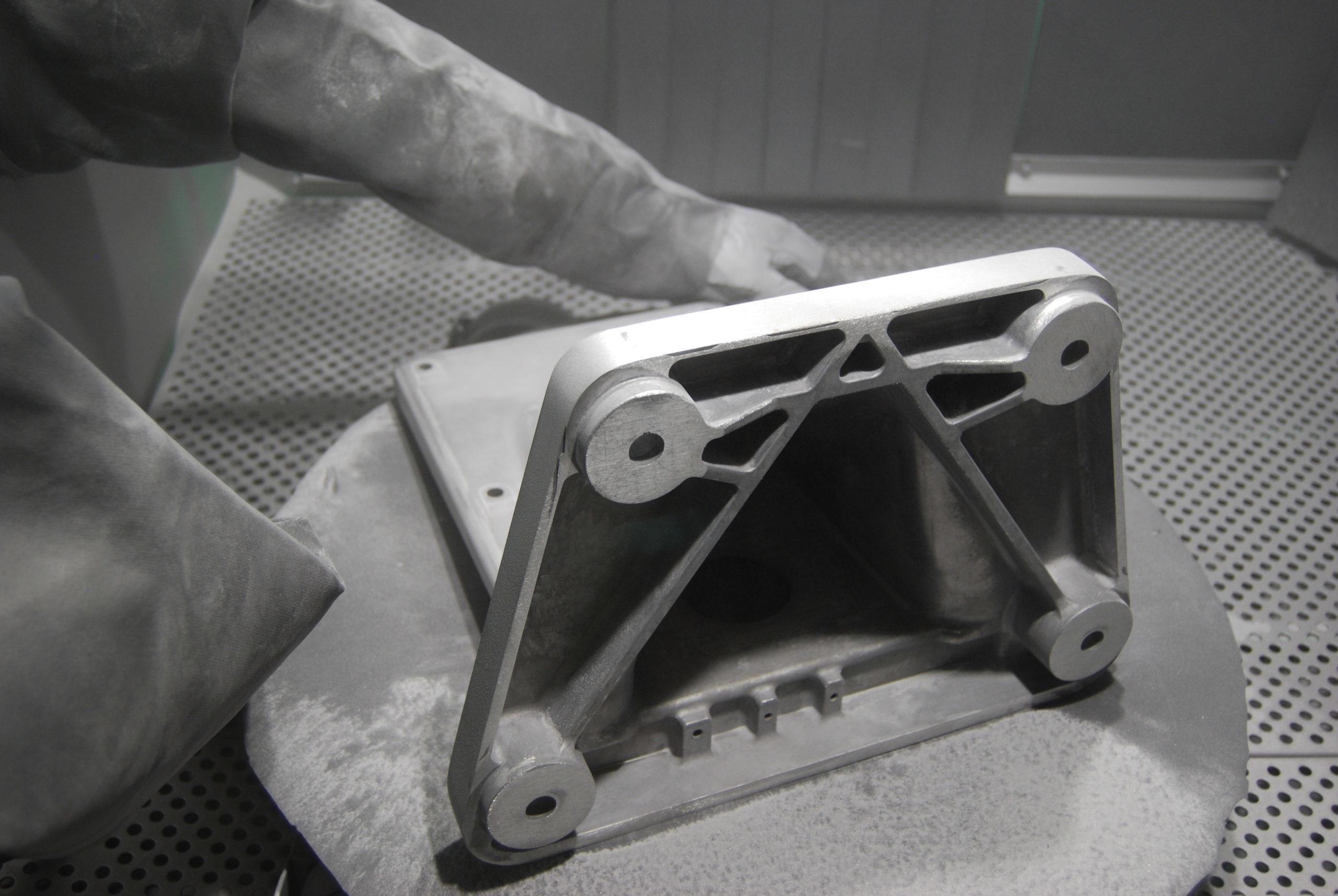 Na czym polega szkiełkowanie aluminium?